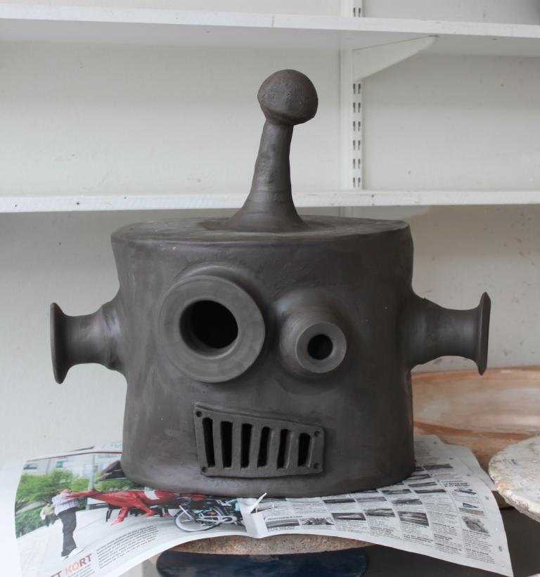 Huvudet på Robot innan bränning.