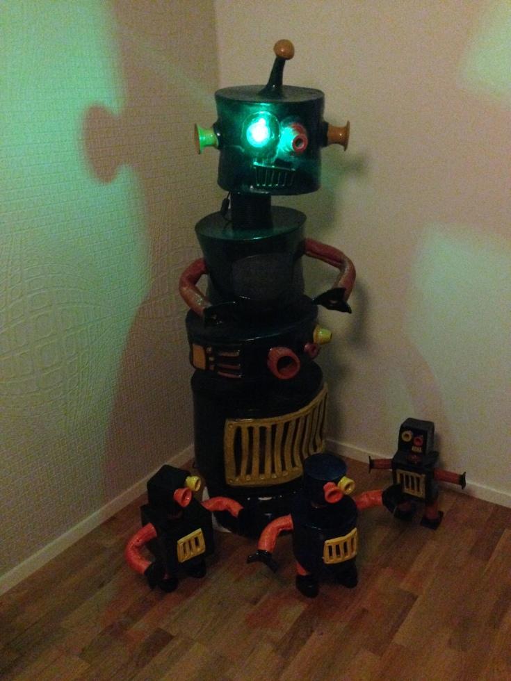 Små och en stor robot av Emil Österholm
