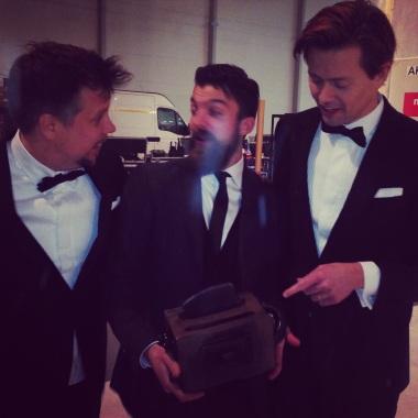 Emil med brödrosten tillsammans med Filip och Fredrik