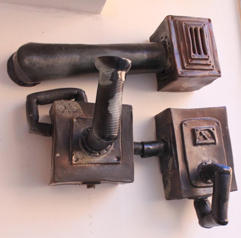 Maskin på vägg, av Emil Österholm