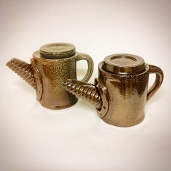 Små tekannor i keramik