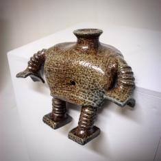 Homage ceramic