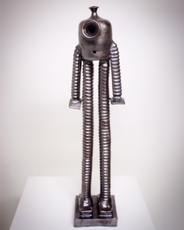 Homage robot cermaic